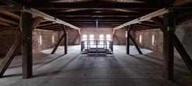 Das Dachgeschoss des Südflügels soll wieder als Lagerbereich für die Theater und Orchester GmbH genutzt werden. © 2021 SBL Neubrandenburg
