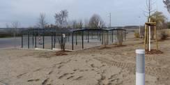Südlich der PKW-Stellplätze entstand eine überdachte Fahrradstellplatzanlage in unmittelbarer Nähe der Südwache © 2021 SBL Greifswald