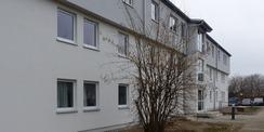 Blick aus SO auf das sanierte Gebäude Haus 1 © 2021 SBL Greifswald