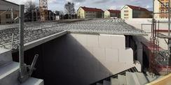 April 2021 - die Erdgeschossdecke wird montiert © 2021 SBL Greifswald