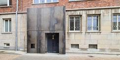 Hier befindet sich der neu errichtete barrierefreie Eingang für die Besucher des Dokumentationszentrums. © 2021 SBL Neubrandenburg