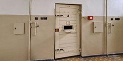 Blick auf eine Hafttür © 2021 SBL Neubrandenburg
