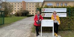 Zügig und in guter Qualität - Projektmanagerin Wibke Lunow (li.) und Servicemanagerin Katy Dobbert (re.) vom SBL Rostock waren für den Umbau der Flächen im HWBR verantwortlich und setzten das 3 5 Millionen Euro umfassende Bauprojekt um. © 2021 Christian Hoffmann  FM M-V