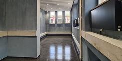 Blick in das Foyer mit dem noch nicht ausgestatteten Anmeldebereich © 2021 SBL Neubrandenburg