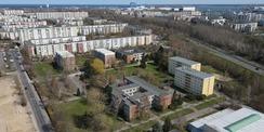 Blick auf das Areal zwischen den Rostocker Stadtteilen Lichtenhagen und Lütten Klein. Hier soll das Aus- und Fortbildungszentrum des Zolls in den nächsten Jahren entstehen. © 2021 Andreas Meyer  Ostsee-Zeitung  Rostock