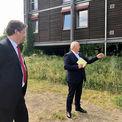 Herr Meyer und Herr Dr. Backhaus im Gespräch. © 2021 SBL Schwerin