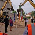 Grußworte der Minister und des Bauamtsleiters auf der Baustelle © 2021 SBL Schwerin