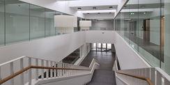 Blick von der Galerie des Obergeschosses © 2021 SBL Neubrandenburg
