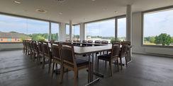 Blick in den Clubraum der Unteroffiziere mit einer tollen Aussicht auf die Liegenschaft © 2021 SBL Neubrandenburg