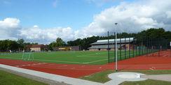 Blick auf den Sportplatz und auf die Kugelstoßanlage © 2021 SBL Neubrandenburg