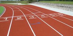 die 6-läufige 100 m-Laufbahn © 2021 SBL Neubrandenburg