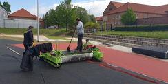 beim Aufbringen des Kunststoffbelages aus Granulat © 2020 Ing.-Büro KULTA GmbH