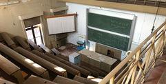 Blick in den großen Hörsaal © 2021 Staatliches Bau- und Liegenschaftsamt Neubrandenburg