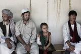 Patienten im Spital in Kunduz vor dem Luftangriff. © Mikhail Galustov