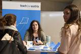 Teach For Austria sucht nach Fellows  die in Österreich zunächst einzelnen Kindern und im Laufe ihres zweijährigen Einsatzes auch ganze Klassen beim Lernen betreuen. Um mitmachen zu können  durchlaufen KandidatInnen ein Auswahlverfahren. Bevor es dann im Herbst los gehen kann  nehmen Fellows an einer Schulung im Sommer teil. © spendeninfo.at / Hannah Hauptmann